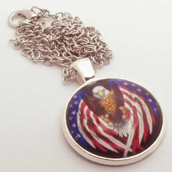 Jewelry - BALD EAGLE NECKLACE - AMERICA - freedom flag charm